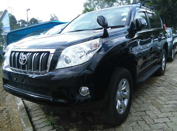 2009 Land cruiser Prado TX,2700cc,Sunroof,Leather seats,Back Camera. Nairobi CBD - image 1