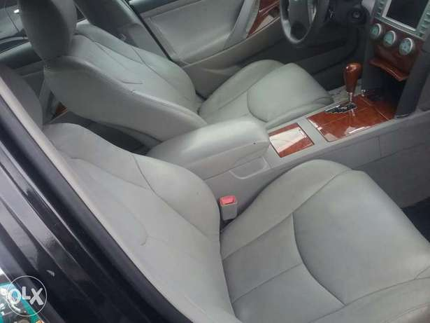 Clean Toyota Camry Lagos Mainland - image 2