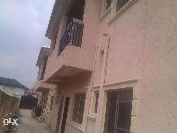 2 bedroom flat for rent at opic going for 400k,all room are en suit.ve Ojodu - image 6