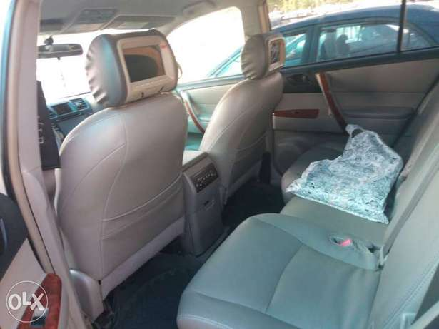Super Clean Toyota Highlander For Sale Garki 1 - image 5