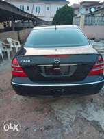 Mercedes Benz E320 model 2005 tokunbo