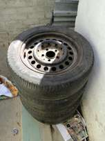 Tyres 195/60 R15 (R400)
