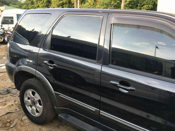 Ford Escape 4X4,2006 Automatic Fully Aircondition. Ga West Municipal - image 5