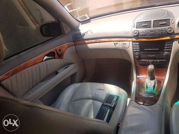 Mercedes Benz E200 Nairobi West - image 1