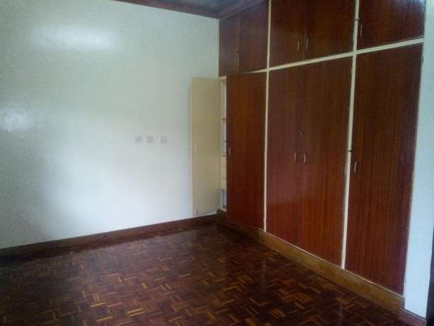 4 bedrooms bungalow to let in new muthaiga. Westlands - image 5