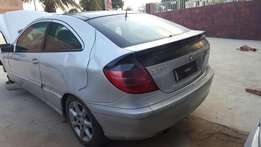 Breaking for spares Merc C230K Coupe W203