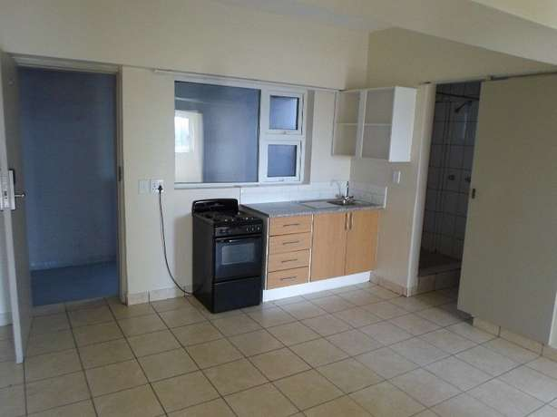 1 / 2 besroom appartment florida Roodepoort - image 4