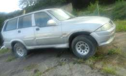 2000 ssang yong musso