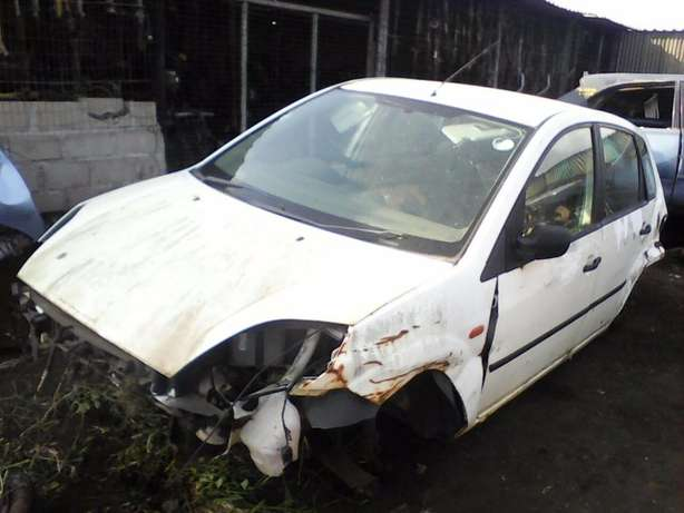 '05 Ford Fiesta 1.4 arrived today. We're stripping for parts! Empangeni - image 3