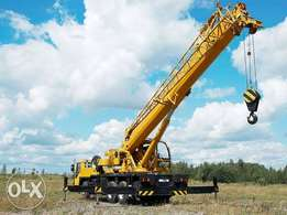 Crane for lifting containers