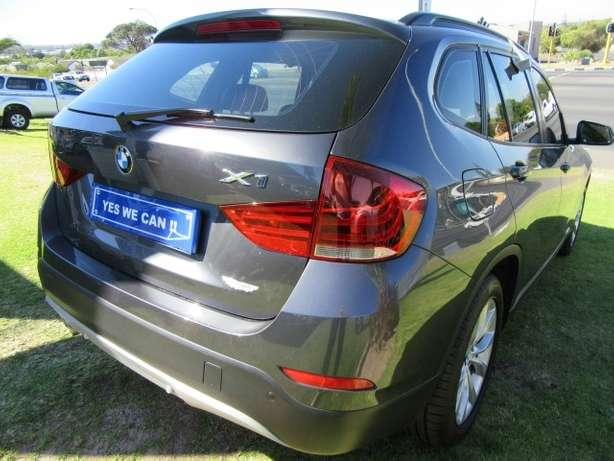 BMW x1 sDrive2.0i A/T-- Full agent service history Kuils River - image 7