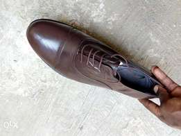 Dark brown leather Oxford men shoe