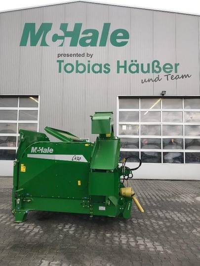 McHale C 430 Silageverteiler u. Strohhäcksler