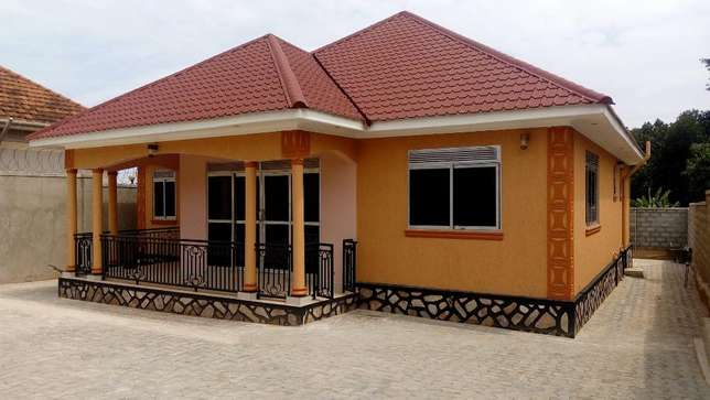Woolworth 5 bedroom Bungalow for sale in Kiira at 300m Wakiso - image 1