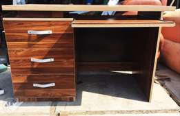 Office table set with drawers