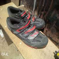 SpeCialized cycling mountain bike shoes with Cleats
