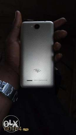 I want to sell my itel A51, working perfect and just a month old. Alimosho - image 2