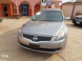 Nissan altima 2009 with keyless start