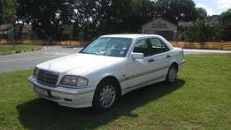 2000 Model Mercedes Benz C200 Classic Man.