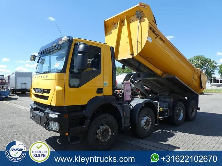 Iveco AD410T45 TRAKKER manual - 2009