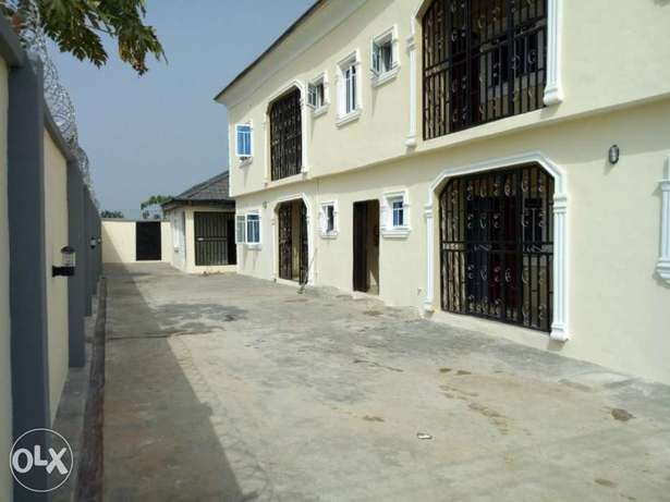Newly Built Luxury 2 Bedroom, Mowe Lagos Mainland - image 2