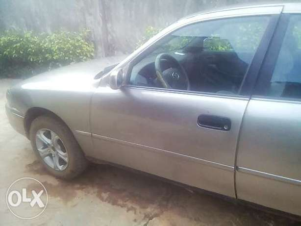 NEATLY USED TOYOTA CAMRY ,aka orobo for quick sale Ijebu Ode - image 5
