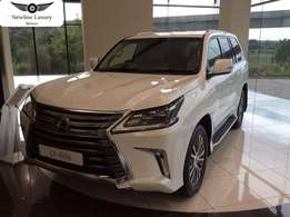 2016 Lexus LX450 Diesel*3 screens*the woolly mammoth is not extint*4.5