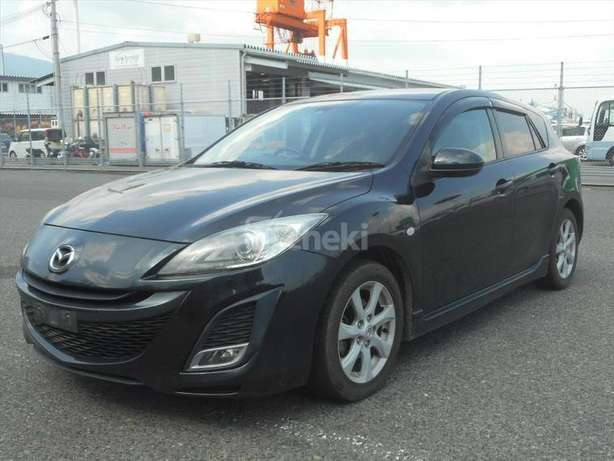 Metallic black Sport New Shape mazda Axela on sale Nairobi CBD - image 6
