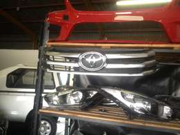 Good condition Genuine clean Toyota Hilux centre grill for sale