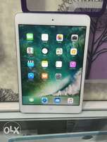 Apple iPad mini 2. 32gb wifi only uk used very clean