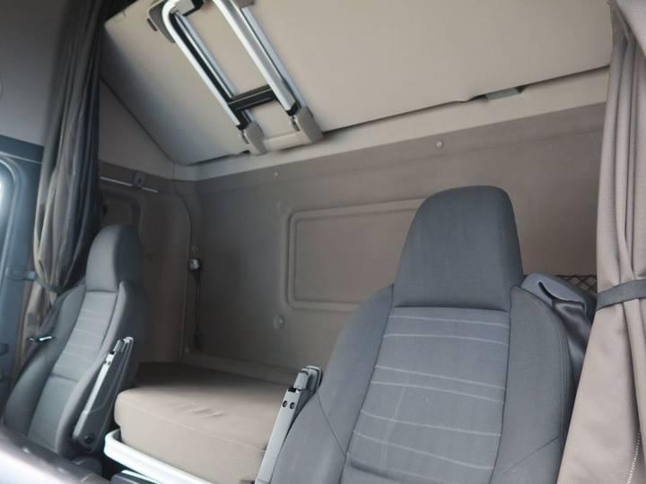 Scania R450 LA6X2/4MNA   SCHUIFSCHOTEL   STAND AIRCO - 2015