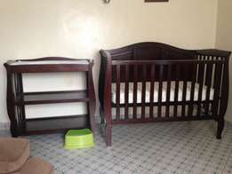 Baby cot + baby changer