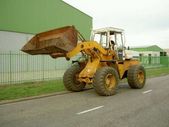 International 520 shovel payloader