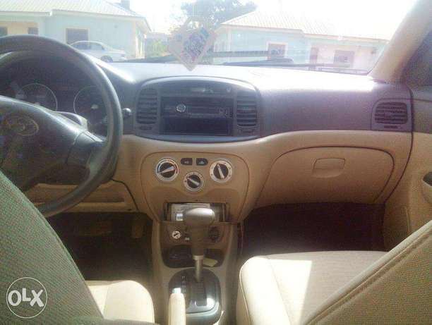 Very Clean Hyundai Accent 2008 for urgent sale. cool a/c Buy and Drive Abuja - image 5