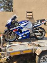 k2 Suzuki gsxr 750 stripping for spares