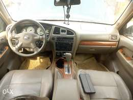 It's neat Nissan pathfinder 2004 first body buy and use