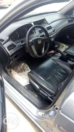 2011 Clean registered Honda Accord with leather seats available 2.3M Obalende - image 3