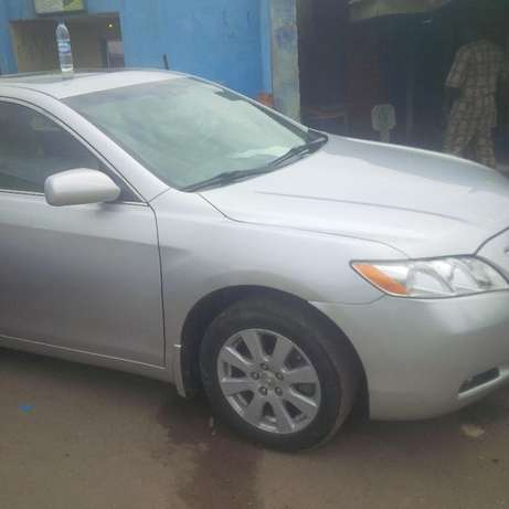 Super clean Toyota Camry 2010 model forsale Surulere - image 5