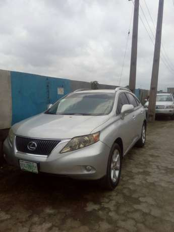 Lexus RX 350 utility car for sell Surulere - image 3