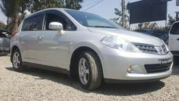 Nissan tiida hutch back