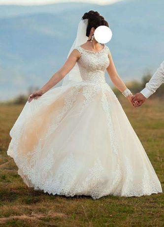 72aedbc6f67007 Архів: Шикарне весільне плаття.44р: 200 $ - Весільні сукні Коломия ...