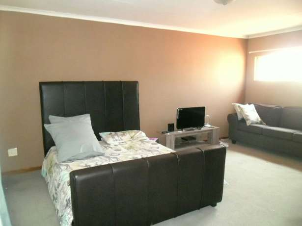 A house to share at sterpark Pietersburg North - image 1