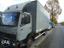 Mercedes benz 814 van