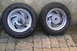 Scooter rim and tyres 10 inch R400