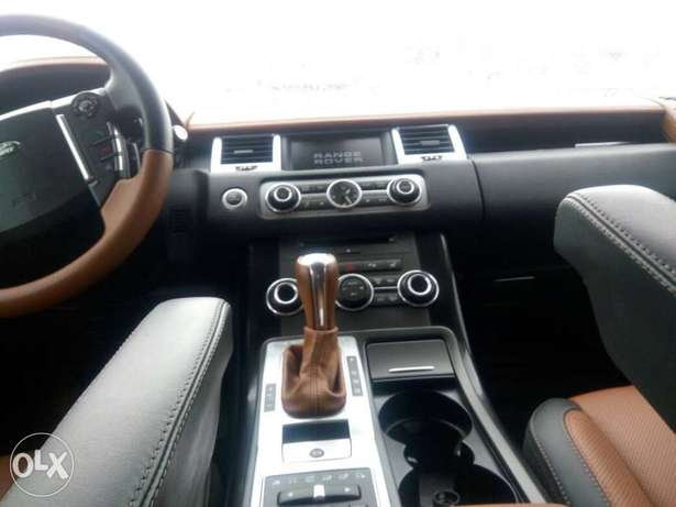 2012 Range Rover Sport Autobiography (FOREIGN USED) Lagos Mainland - image 8