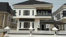 To Let:: Luxury 5bedroom Fully Detached House at Lekki