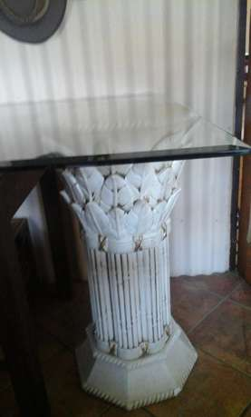 Used Glass Table with 2 Stands for sale Heidelberg - image 3