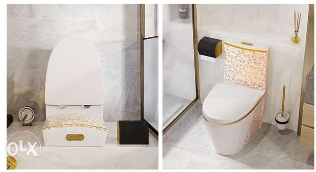 Luxury black toilet desigh model with gold flowers الرياض -  8