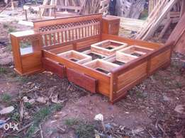 Mahogany box shaped bed 6 by 6 in size