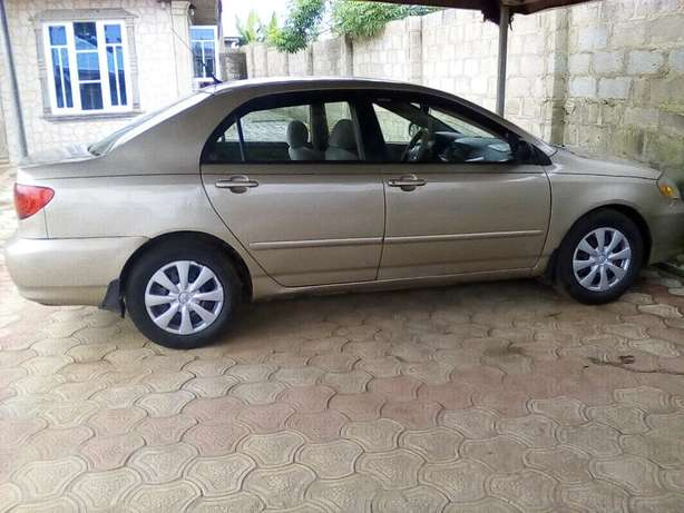 clean used toyota corolla 2004 model LE Akure South - image 1